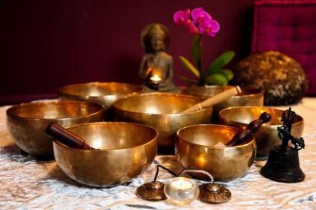 Йога и тибетские чаши: практика и звук.